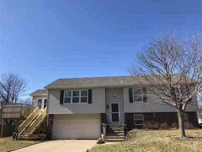 Davenport IA Single Family Home For Sale: $165,000