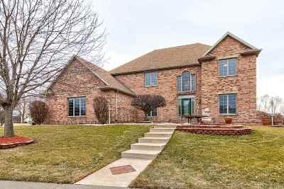 Davenport IA Single Family Home For Sale: $549,000