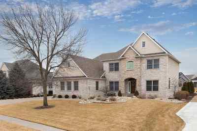 Davenport IA Single Family Home For Sale: $489,900