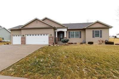Le Claire Single Family Home For Sale: 903 Iowa
