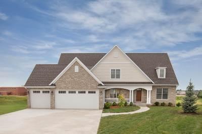 Bettendorf Single Family Home For Sale: 3877 Cobblestone