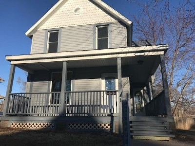 Davenport IA Single Family Home For Sale: $109,900