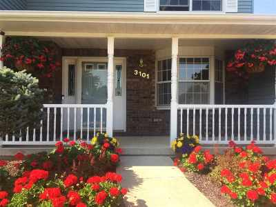 bettendorf Single Family Home For Sale: 3101 Greenfield