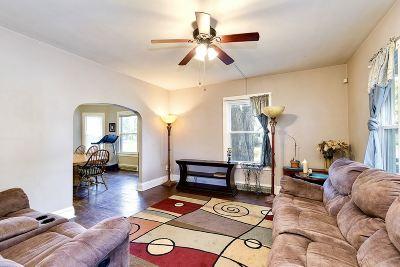 Davenport Single Family Home For Sale: 103 E Hayes