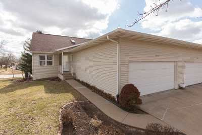 bettendorf Condo/Townhouse For Sale: 3955 Prairie