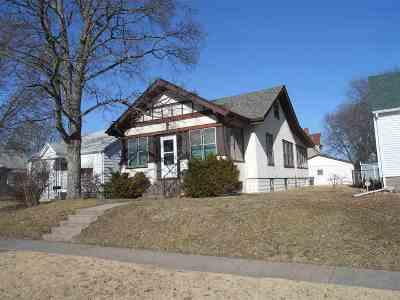 Davenport Single Family Home For Sale: 805 S Dittmer