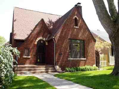 Davenport IA Single Family Home For Sale: $220,000