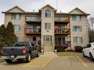 bettendorf Condo/Townhouse For Sale: 3117 Holiday