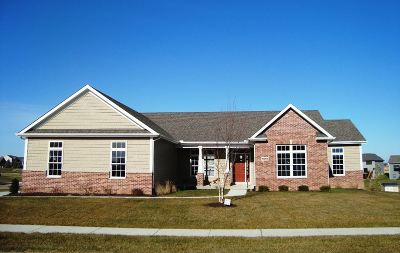 Bettendorf Single Family Home For Sale: 5858 Justin