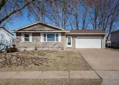 Davenport IA Single Family Home For Sale: $159,900