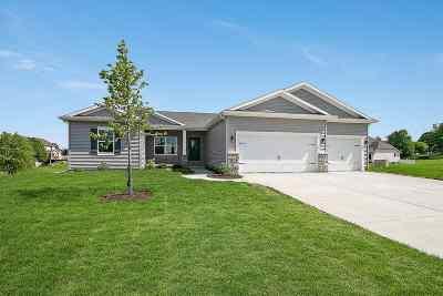 Eldridge Single Family Home For Sale: 1000 W Pinehurst