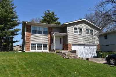 Eldridge Single Family Home For Sale: 28 Parkview