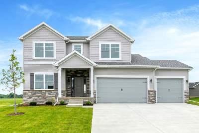 Bettendorf Single Family Home For Sale: 4675 Mason