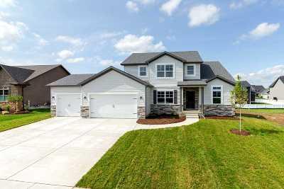 Bettendorf Single Family Home For Sale: 4672 Mason