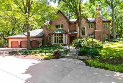 Bettendorf Single Family Home For Sale: 4565 Pepperwood