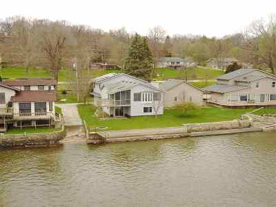 Le Claire Single Family Home For Sale: 22905 Great River