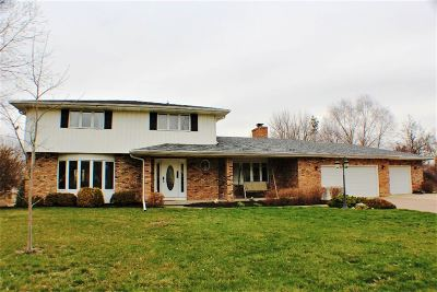 Bettendorf Single Family Home For Sale: 4680 Silver Spur