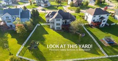 Bettendorf Single Family Home For Sale: 5492 Hugo