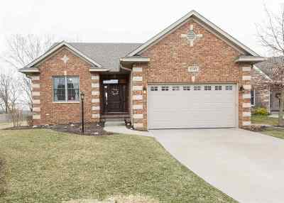 Bettendorf Single Family Home For Sale: 3197 Meridith Way