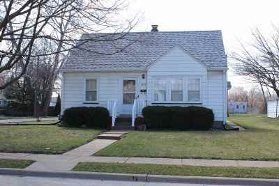 Davenport IA Single Family Home For Sale: $88,500