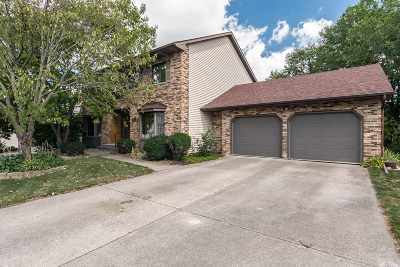 Bettendorf Single Family Home For Sale: 3975 Aspen Hills
