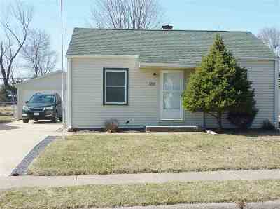 Davenport IA Single Family Home For Sale: $73,900