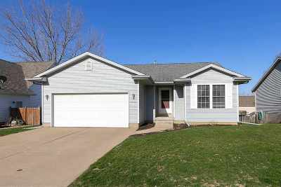 Davenport IA Single Family Home For Sale: $209,900
