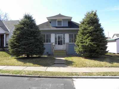 Davenport IA Single Family Home For Sale: $94,900