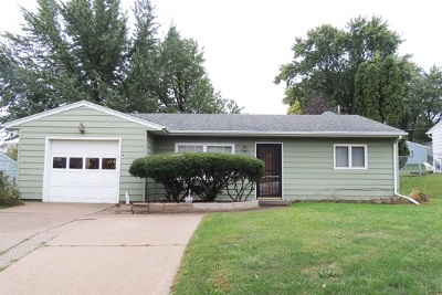 Davenport IA Single Family Home For Sale: $119,500