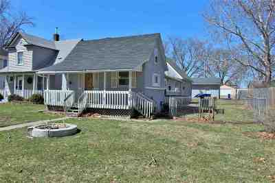 Davenport IA Single Family Home For Sale: $59,900