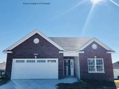 Bettendorf Condo/Townhouse For Sale: 5786 Danielle