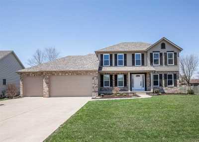 Eldridge Single Family Home For Sale: 708 S 7th