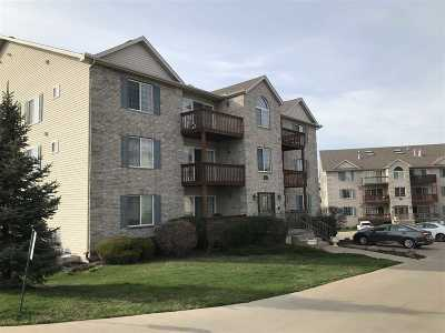 Bettendorf Condo/Townhouse For Sale: 3033 Holiday
