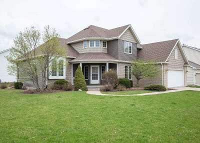 Eldridge Single Family Home For Sale: 409 W Dammann