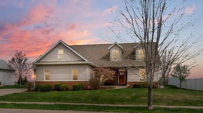 Davenport IA Single Family Home For Sale: $349,900