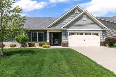 Bettendorf Condo/Townhouse For Sale: 5643 Cavan Crossing