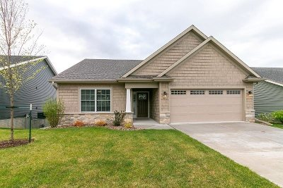 Bettendorf Single Family Home For Sale: 3673 Deckard