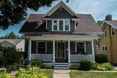 Davenport IA Single Family Home For Sale: $153,000