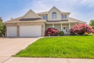 Davenport IA Single Family Home For Sale: $385,000
