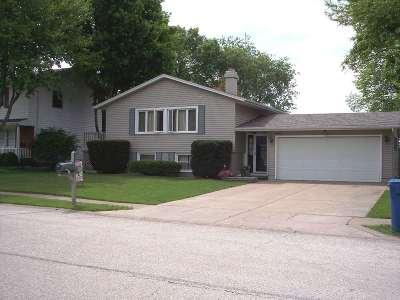 Eldridge Single Family Home For Sale: 225 W Oak