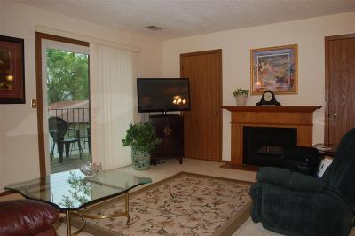 Bettendorf Condo/Townhouse For Sale: 4725 Kynnelworth