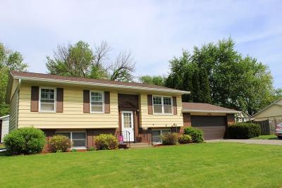 Davenport IA Single Family Home For Sale: $149,300