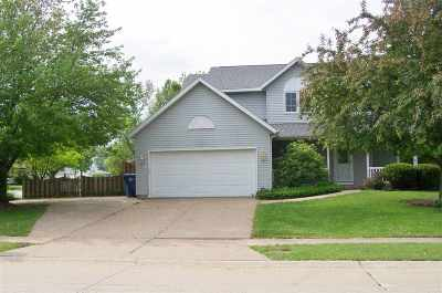 Bettendorf Single Family Home For Sale: 1747 Prairie Vista