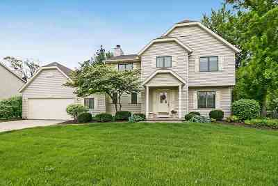 Bettendorf Single Family Home For Sale: 3819 Brookwood
