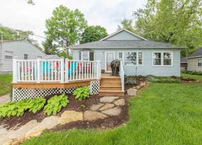 Le Claire Single Family Home For Sale: 712 S Cody