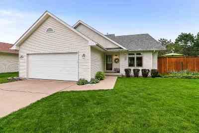 Davenport IA Single Family Home For Sale: $215,000