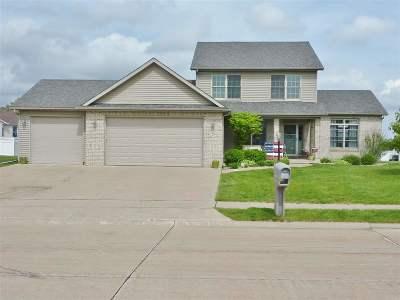 Eldridge Single Family Home For Sale: 106 Parkview