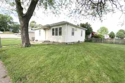 Davenport Single Family Home For Sale: 121 S Wellman