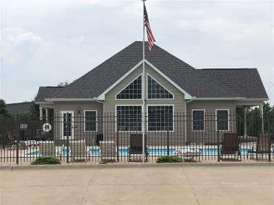 Bettendorf Condo/Townhouse For Sale: 4181 Creek Hill