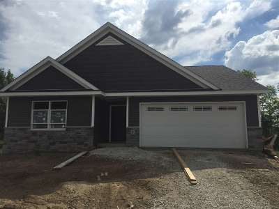 Le Claire Single Family Home For Sale: 1 Welcome Center
